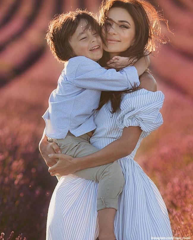 Зара поделилась кадрами с младшим сыном в его день рождения