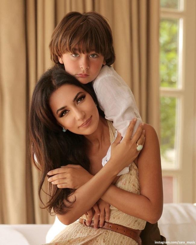 Зара с сыном Максимом