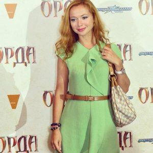 Подробнее: Елена Захарова родит за деньги