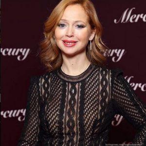 Подробнее: Елена Захарова вернулась на сцену
