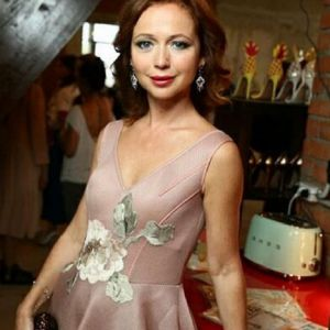Подробнее: Елена Захарова похвасталась плоским животом после родов