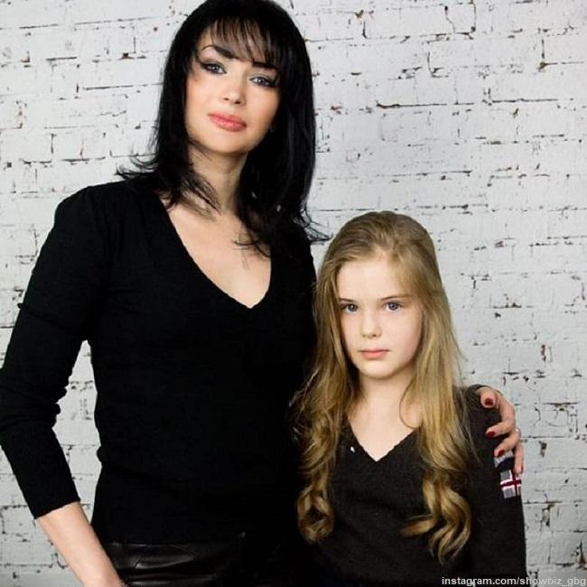 Юлия Абдулова с дочерью Женей