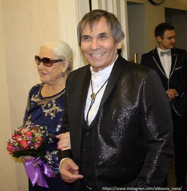 Бари Алибасов с женой