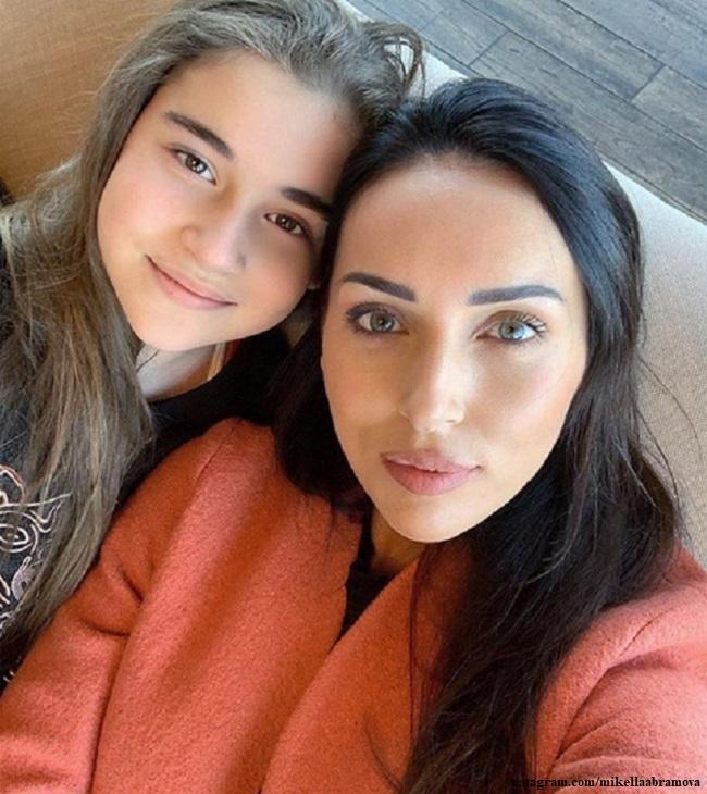 Алсу с дочкой