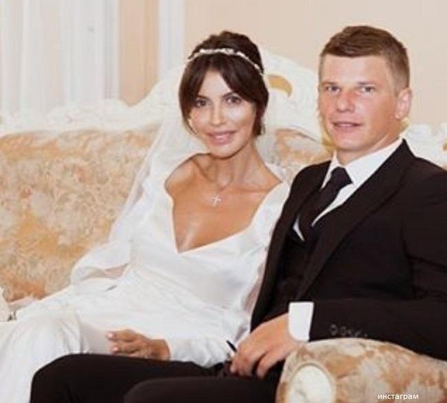 The ex-wife of Andrey Arshavin wants him back