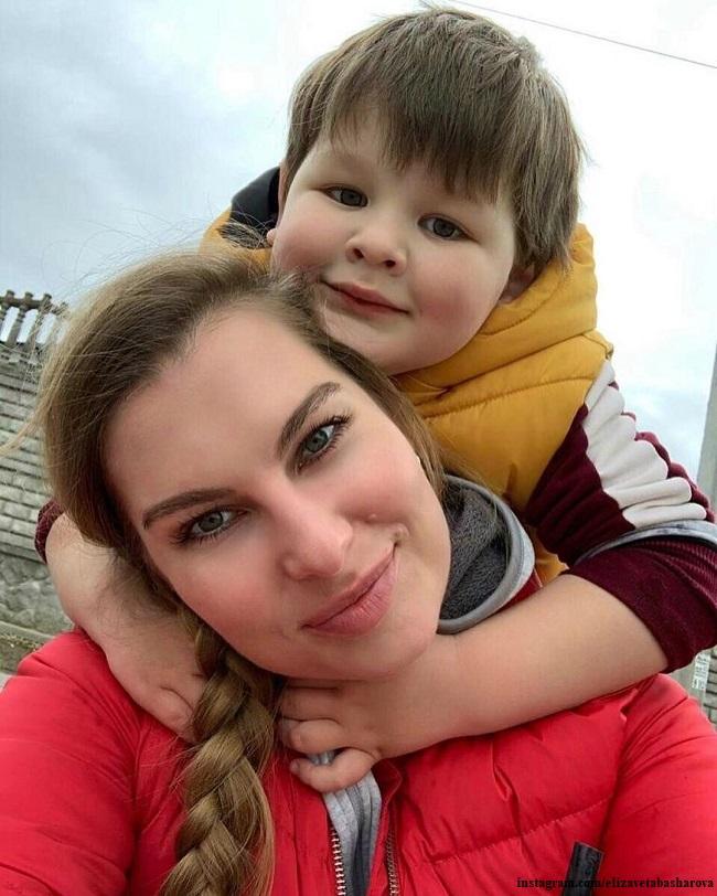Елизавета Шевырккова с сыном Марселем