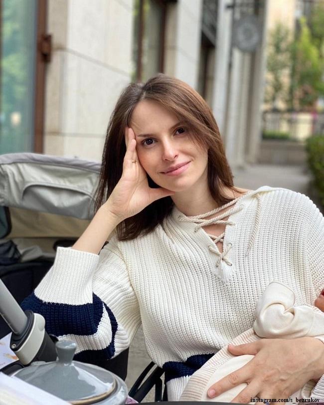 Анна Матисон с новорожденным сыном
