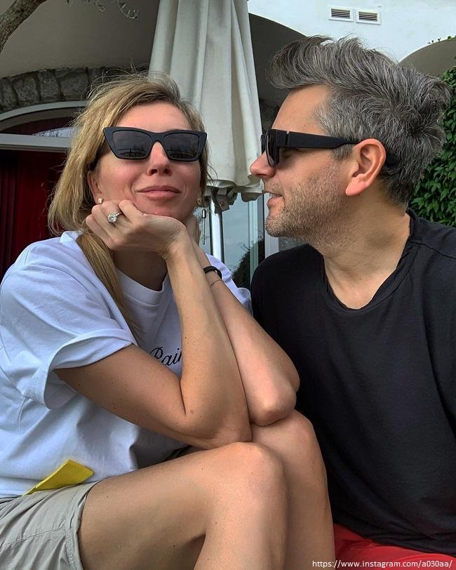 Светлана Бондарчук сверкнула кольцом с бриллиантом