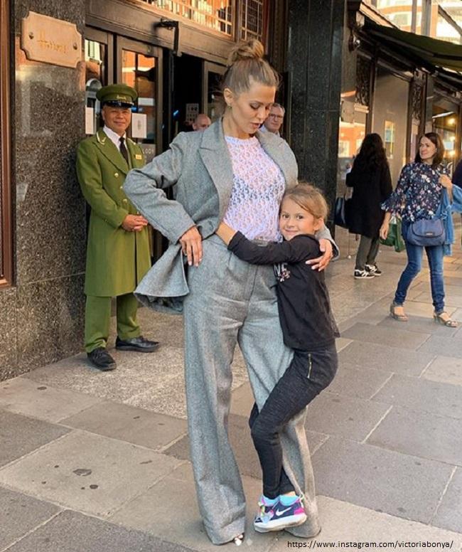 Виктория Боня с дочерью
