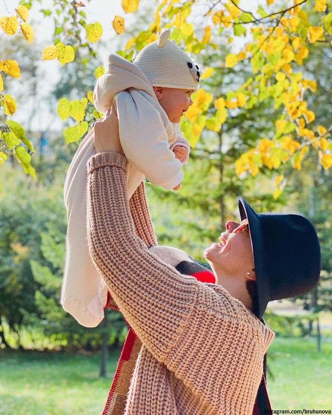 Tatyana Brukhunova with her son Vagan