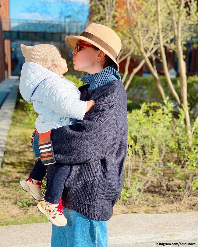 Татьяна Брухунова с сыном Ваганом