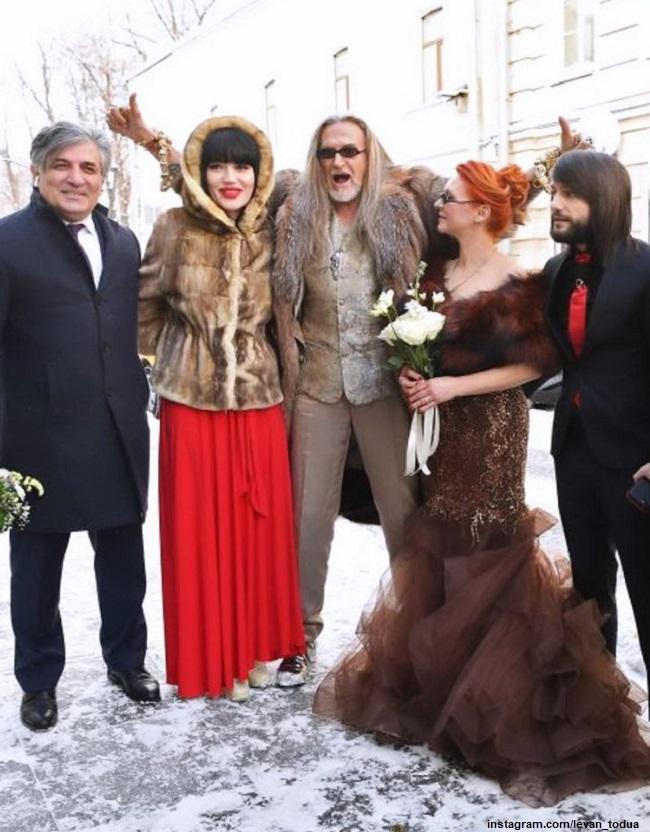 Никита Джигурда и Марина Анисина со свидетелями