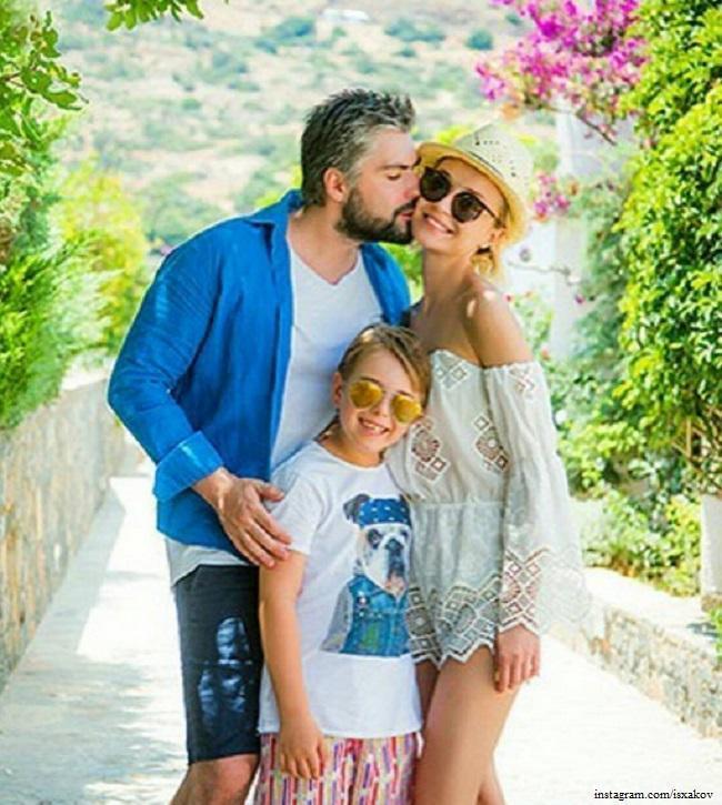 Полина Гагарина с бывшим мужем и дочкой