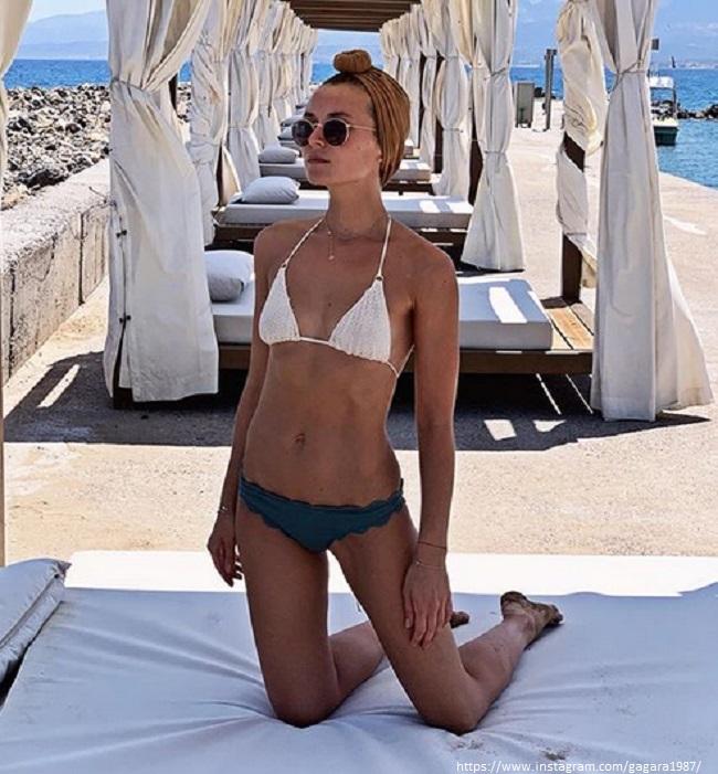 Полина Гагарина в купальнике
