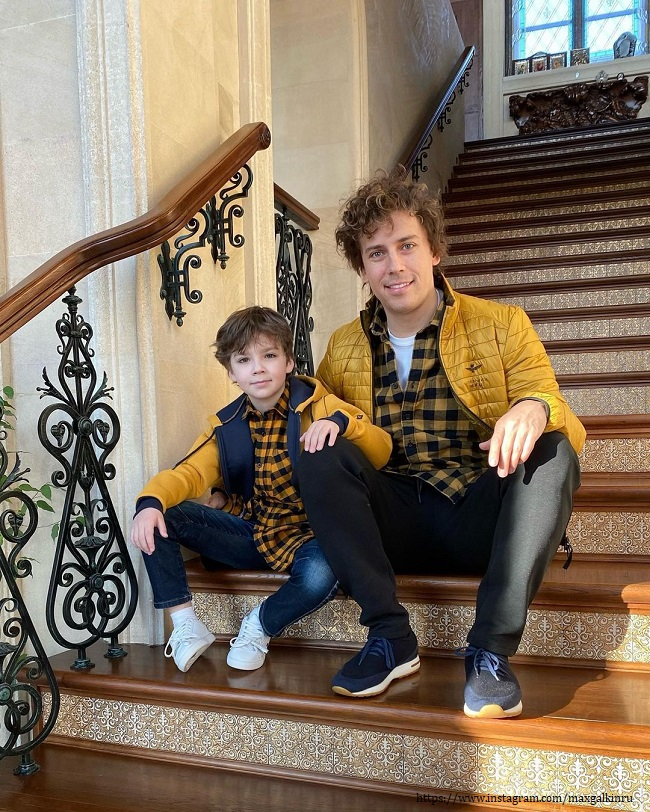 Maxim Galkin with his son