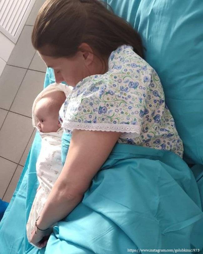 Maria Golubkina with baby