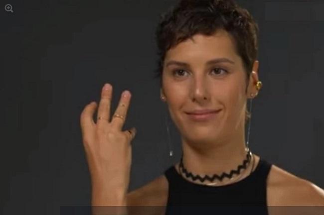 Ирина Горбачева показала обручальное кольцо. Кадр из видео