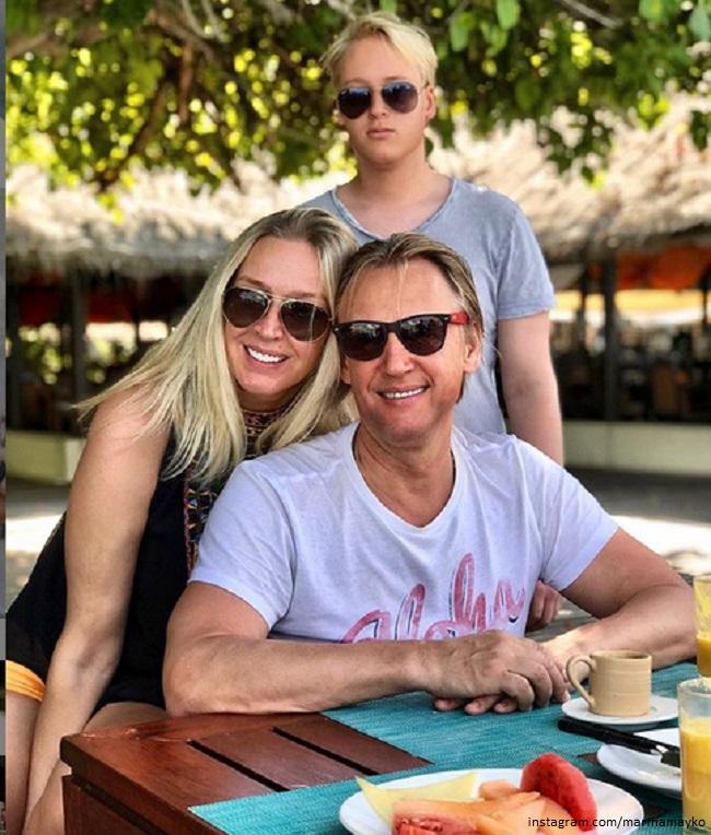 Дмитрий Харатьян и Марина Майко с сыном Иваном