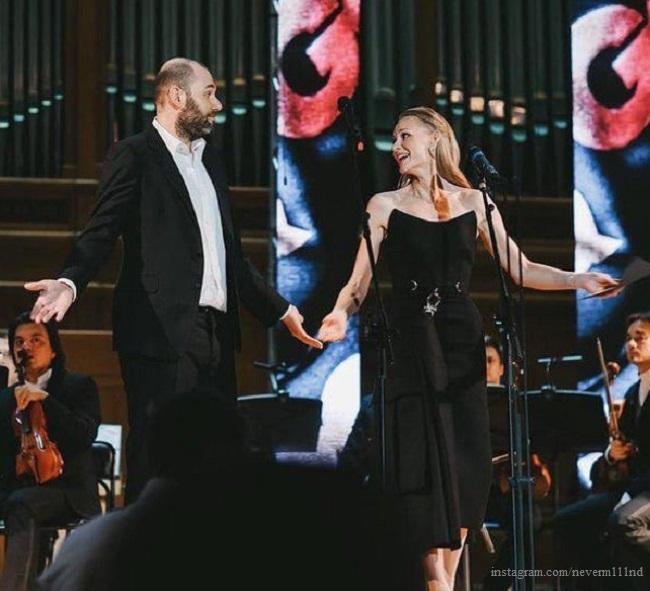 Семен Слепаков и Светлана Ходченкова на церемонии вручения 17-й ежегодной премии