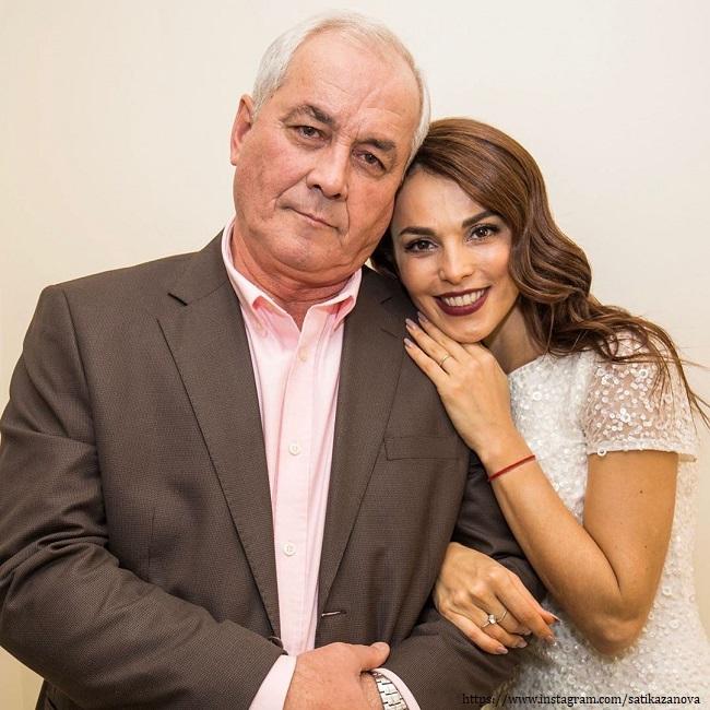 Сати Казанова с отцом