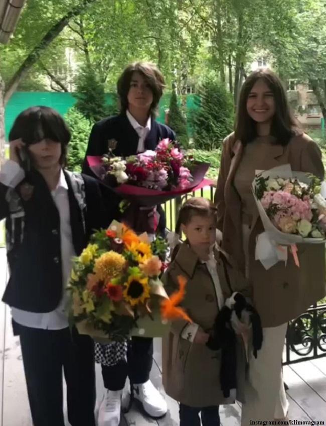 Матвей и Корней Петренко, Елизавета Хорошилова и Белла Месхи