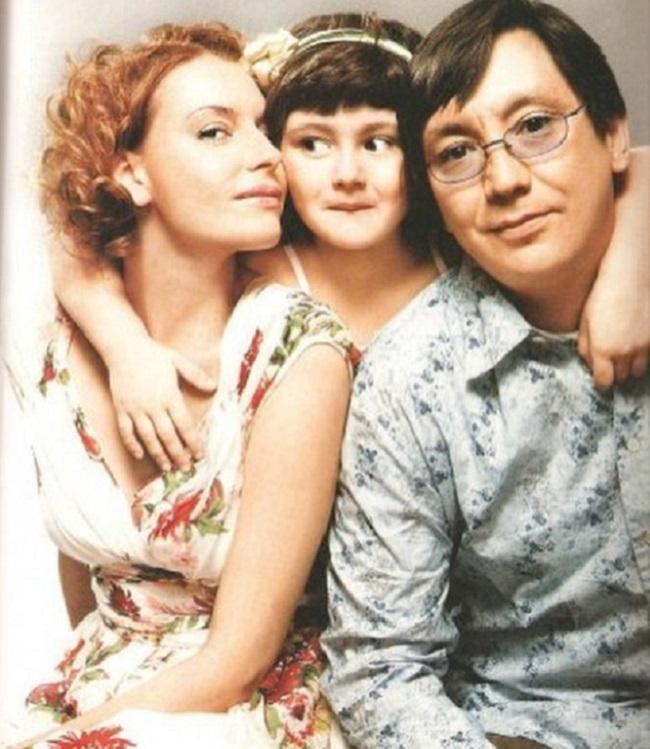 Любовь Толкалина и Егор Кончаловский с дочерью Машей