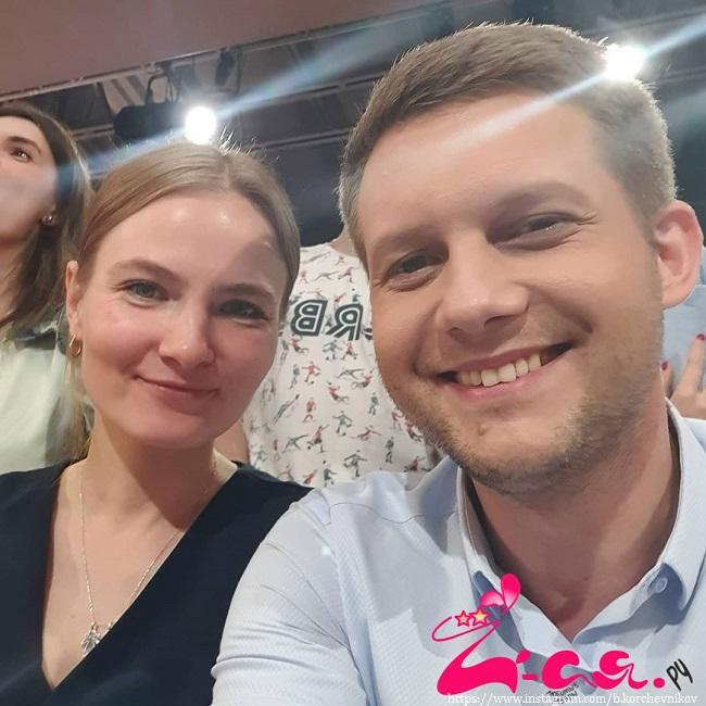 Борис Корчевников с подружкой
