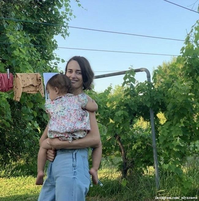 Ольга Зуева с дочерью Одой Валентиной
