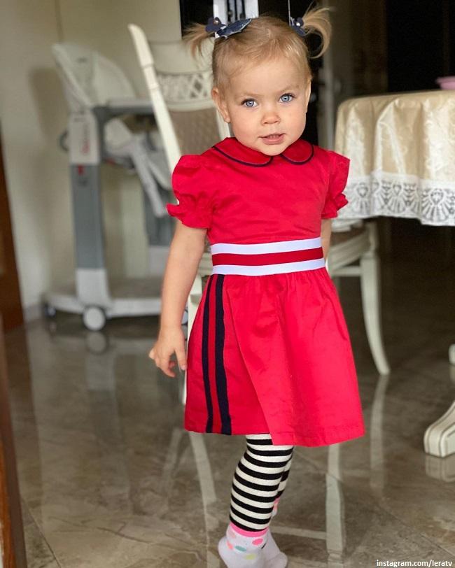 Лера Кудрявцева показала успехи 2-летней дочери Маши - умницы и модницы