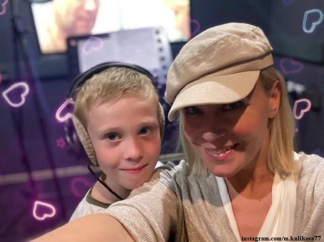 Мария Куликова с сыном Иваном