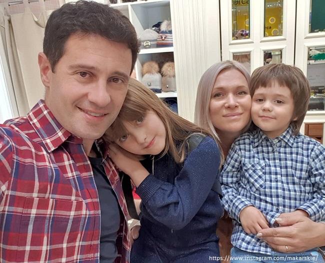 Антон Макраский с женой и детьми
