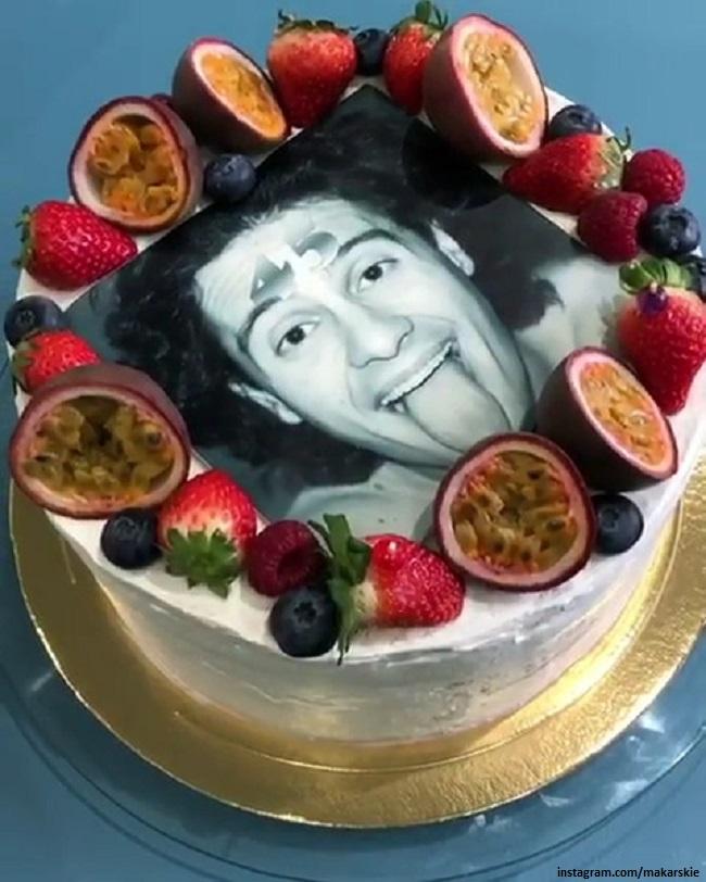 Именинный торт Антона Макарского