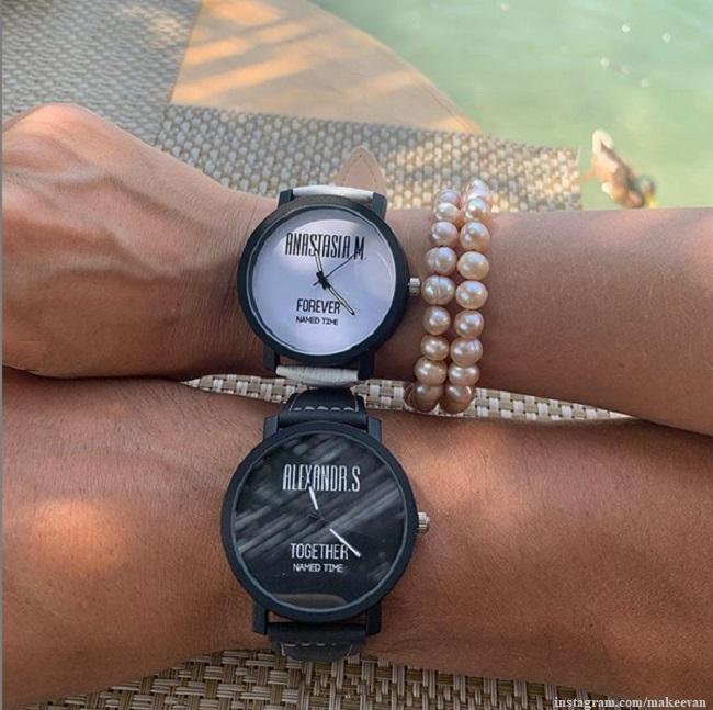 Именные часы Анастасии Макеевой и ее мужа