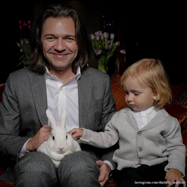 Dmitry Malikov showed a gift from his three-year-old son on February 23