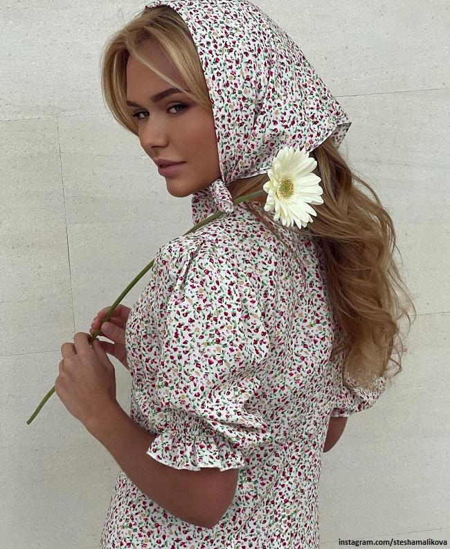 Стефания Маликова в одежде собственного бренда