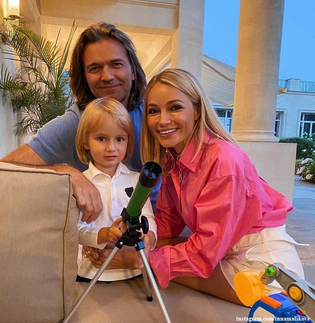 Дмитрий Маликов с сыном Марком и сестрой Инной