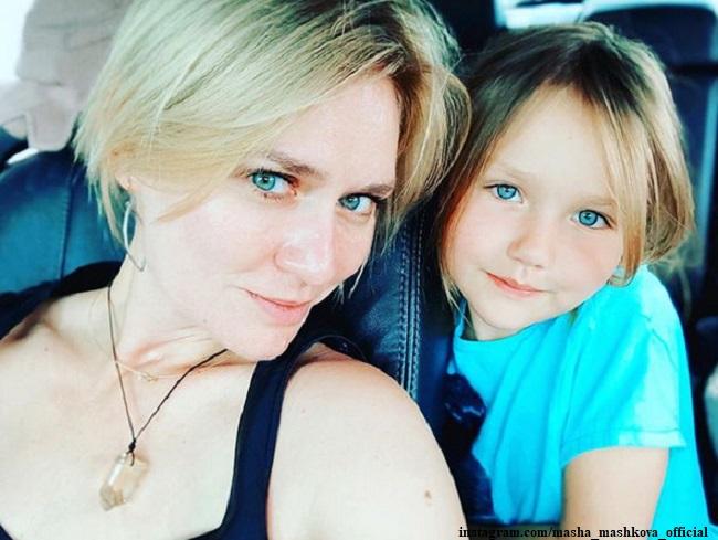 Мария Машкова с дочерью Алей
