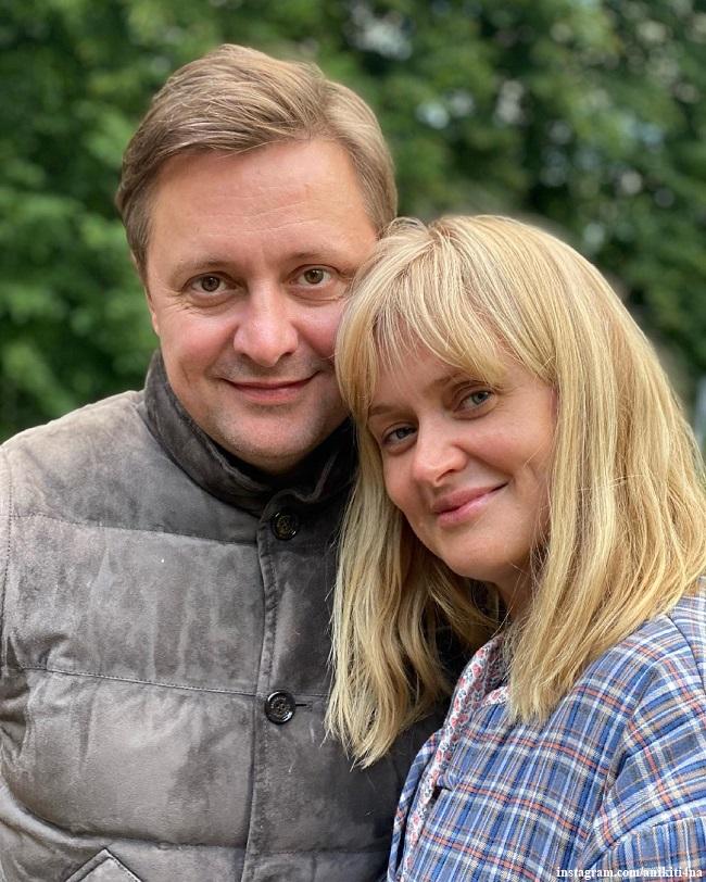 Анна Михалкова с младшим братом Артемом