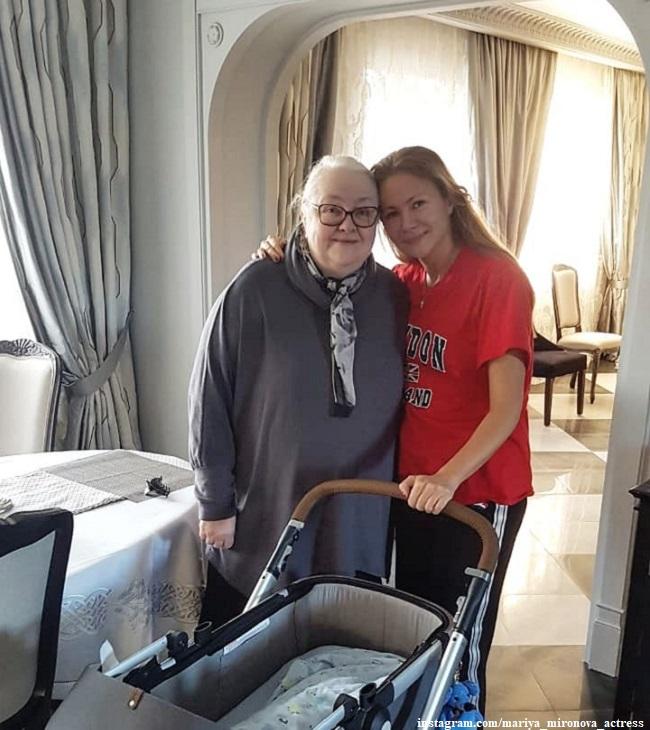Екатерина Градова и Мария Миронова с сыном