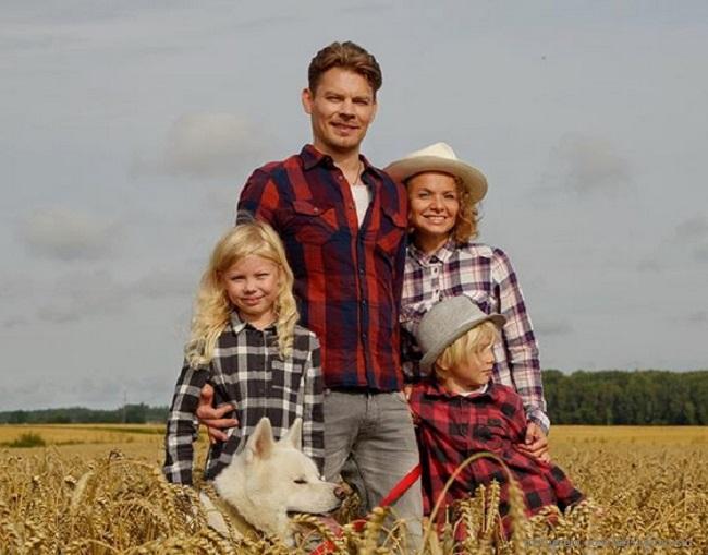 Дмитрий Ланской с женой и детьми