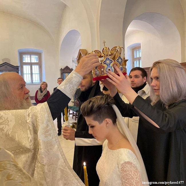 Евдокия Охлобыстина и Георгий Батариели венчаются