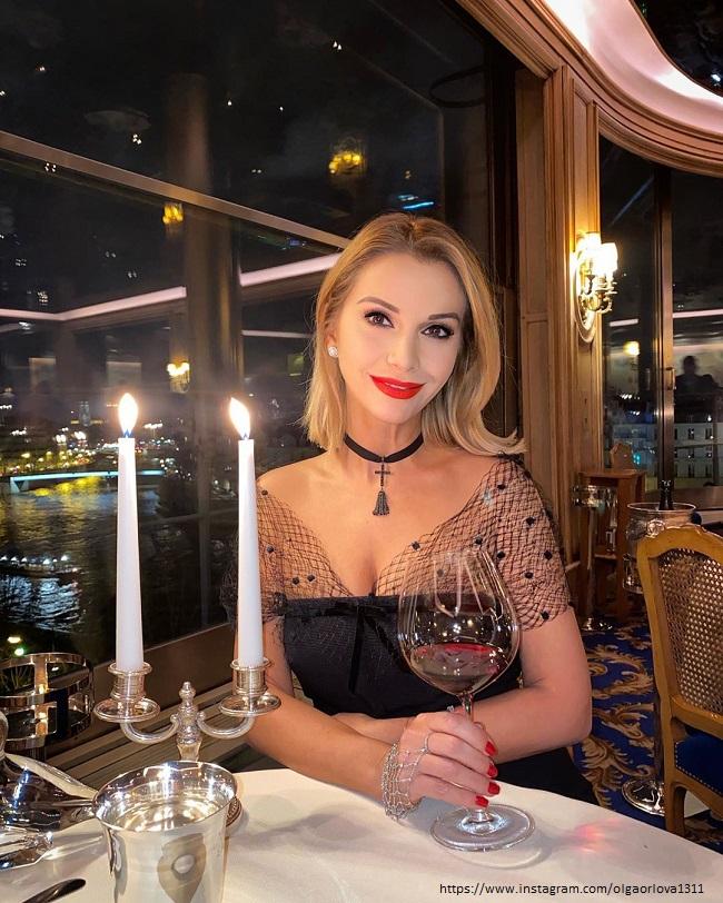Ольга Орлова в Париже