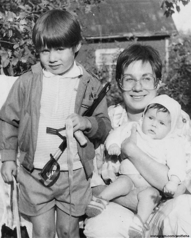 Илона Броневицкая с сыеом Стасом и дочерью Эрикой