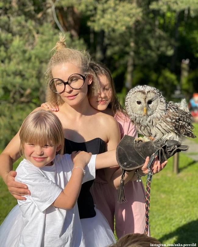 Юлия Пересильд с дочерьми