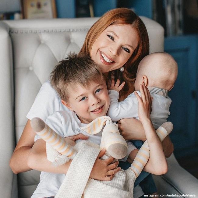 Наталья Подольская с детьми