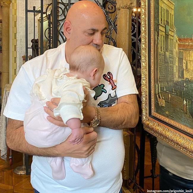 Иосиф Пригожин с внучкой Валерии