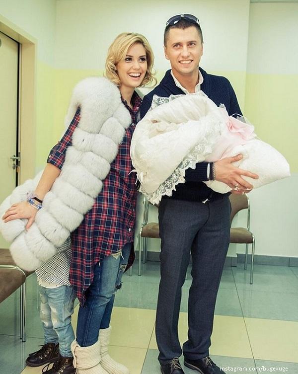 Павел прилучный с женой и детьми фото