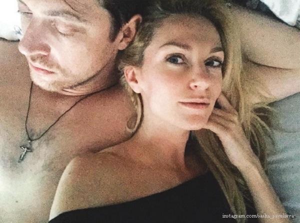 Порно онлайн интимное жены фото природе