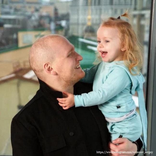 Сергей Сафрнов с дочерью
