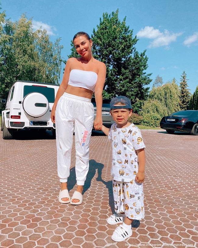 Анна Седовкова с сыном